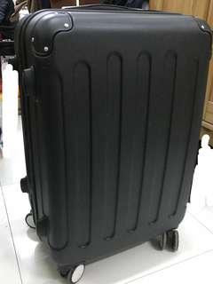 97%new 24吋可擴展行李箱