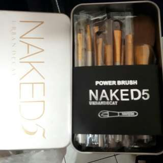 Kuas makeup naked 5