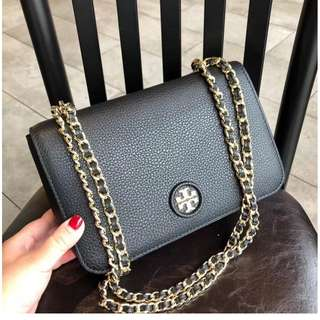 TORY BURCH WHIPSTICH LOGO ADJUSTABLE CHAIN CROSSBODY 27