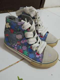 Hi-cut floral shoes