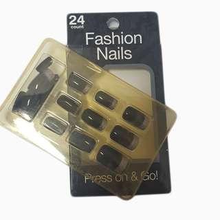 Fashion Nails (Black Glittered)