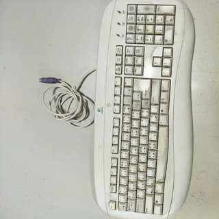 羅技有線鍵盤