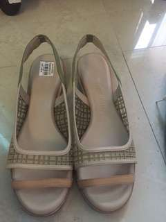 Glory chen sandals size 9