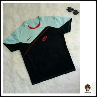 Nike Kaos
