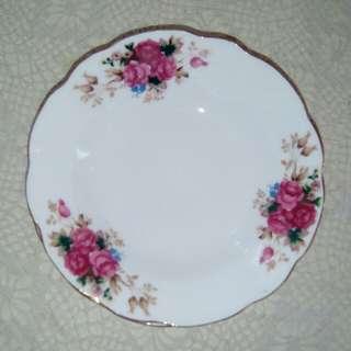 """Vintage small deep Plates, 6"""""""