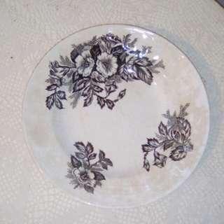 """Vintage deep plate, 9"""""""