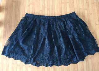 Brokat mini skirt