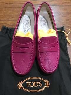 Tod's 豆豆鞋 桃紅37義大利帶回