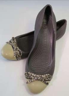 Crocs cap toe flat