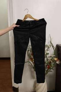 Aeropostale black silky skinny pants