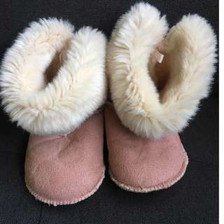 winter boots pink