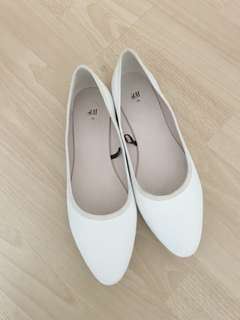 H&M white pointed ballet flats