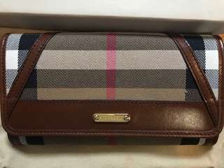 Burberry Womens Wallet