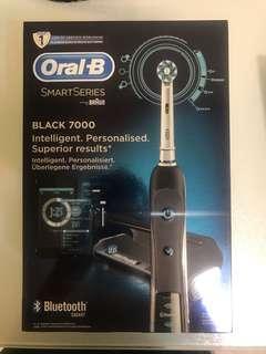Oral-B 電動牙刷 Black 7000