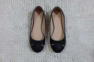 Black Flats/Doll Shoes with Ribbon