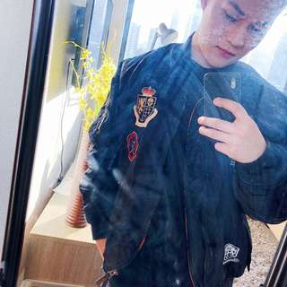 BLACK BOMBER JACKET WITH PATCHES