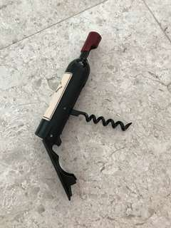 Brand new Wine and bottle opener with magnet