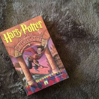 Harry Potter and the Sorcerer's Stone // Filipino Edition