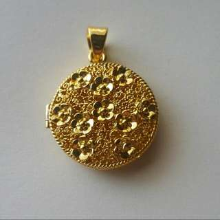 Hancrafted Floral Locket Pendant Silver Gold Plated