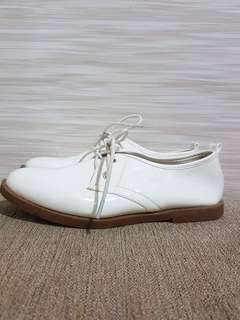 so fab white shoes