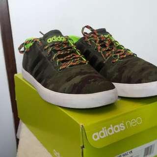 Adidas Vulc Vs Authentic Sneakers