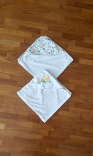 2 hooded Baby Towels
