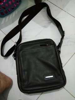Authentic Samsonite genuine leather sling bag