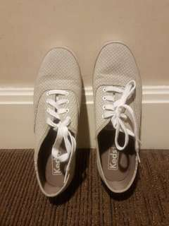 Authentic Keds olive green shoes now at 799
