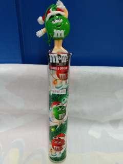 絕版全新 M & M'S IN RED & GREEN COLOR 綠色豆小姐造型筒裝糖果 1 件
