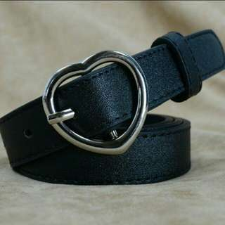 INSTOCKS heart buckle belt $6MAILED