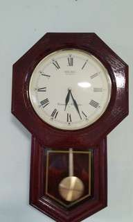 Antique Wall Clock (not accurate)