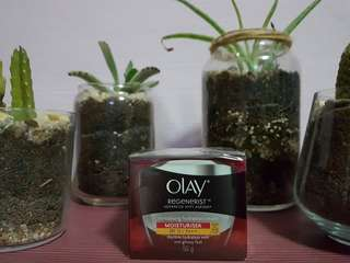 OLAY Regenerisr advanced anti Ageing revitalizing Hydration cream