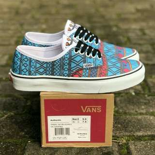 AUTHENTIC TRIBAL SKY BLUE RED