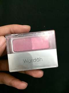 Blush on wardah isi 88%