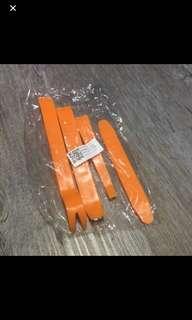 Car pry tools