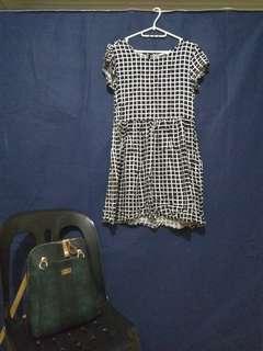 Dress (black & white / checkered)