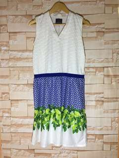 Brand new Plains and Prints White with floral bottom