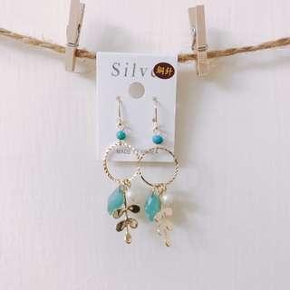 簡約葉子珊瑚藍耳環