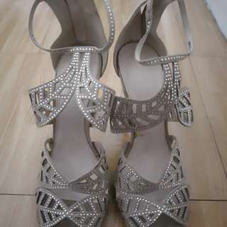 Parisian High Heels Size 8