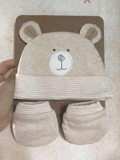 BB熊仔帽加一對手套