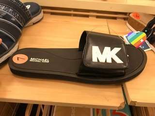 MK SLIDER BLACK/WHITE