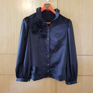 🚚 黑色鍛面胸口裝飾氣質高雅襯衫#女裝半價