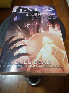 Halo books- silentium the forerunner saga book 3