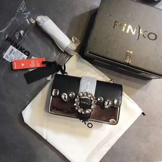 Pinko Women's crossbody bags/shoulder bags   Spring/Summer collection2018   Size20.5×12.5×7   Comes with full package