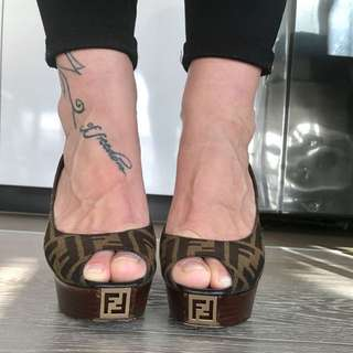 *PRICE DROPPED * Fendi Shoes