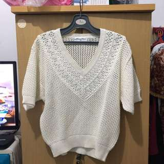 3 for 100K - Sweater rajut off white