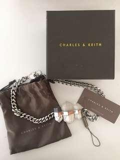 Kalung charles & keith