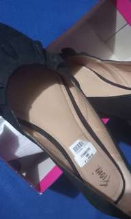 Fiona Black Flat shoes from Payless