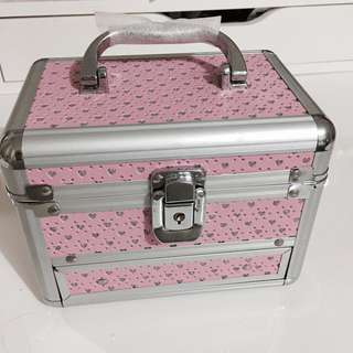 Velvet Jewellery pink box with built in lock and keys
