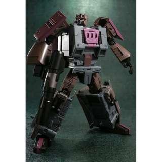 PRE-ORDER : Unique Toys Ragnaros M-04 - Broodlord Lashlayer